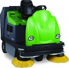 IPC EAGLE 1404 Vacuum Rider Sweeper