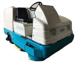 Tennant 7400 Rider Floor Scrubber Sweeper 100