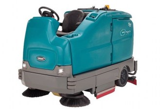 Tennant T17 Ride On Battery Operated Floor Scrubber